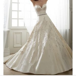 Sophia Tolli Y11626 Wedding Dress